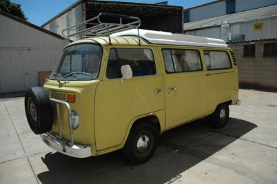 collected 16-10-10 by the Dickinsons of Cornwall* 1974 RIght hand Drive Vw camper van.