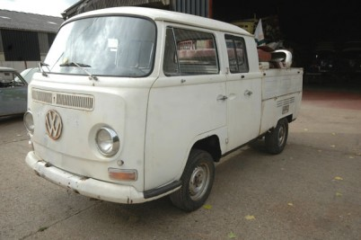 11-1-12  SOLD  A very cool and practical 1970 RHD South African Crewcab 6 seater