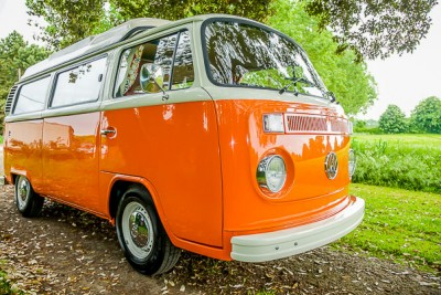 Wanderer Build for the Red Hatch classic campers hire in Orange and white